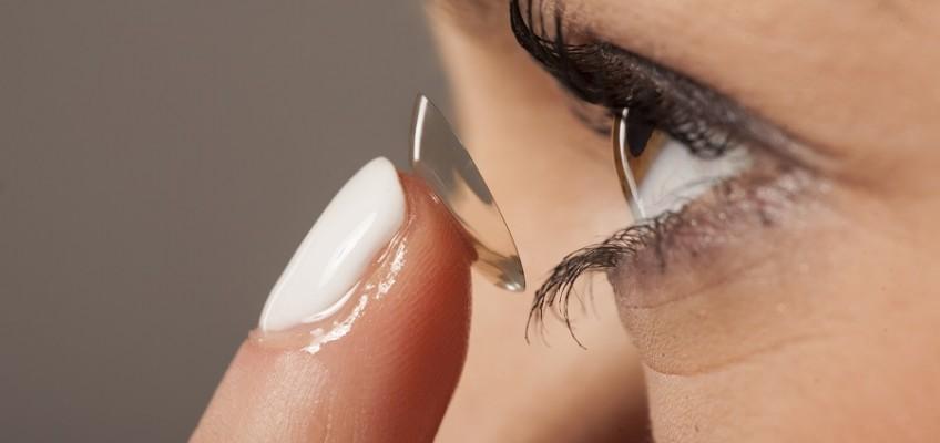Jakie wybrać soczewki podkreślające kolor oczu?